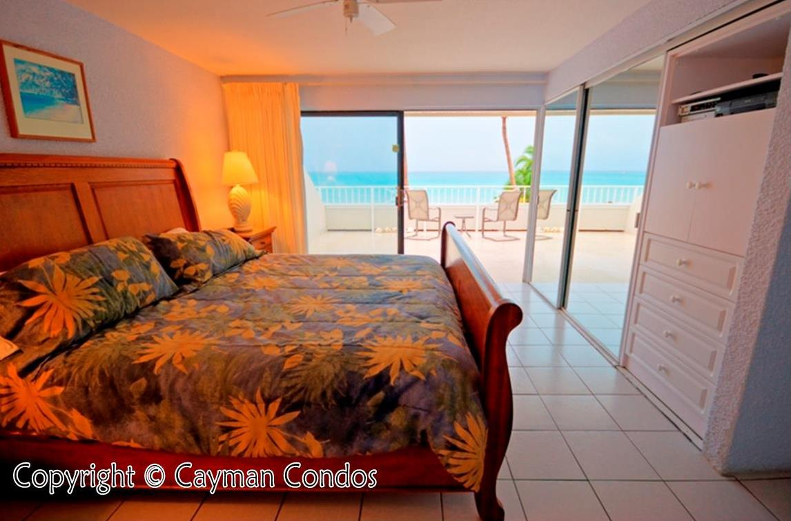 Master bedroom in an oceanfront unit with great walkout view